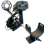 Gold detector: use a metal detector to find gold.